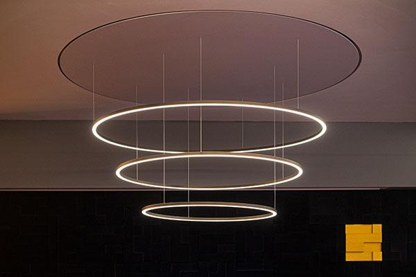 Lampe Showroom Köln